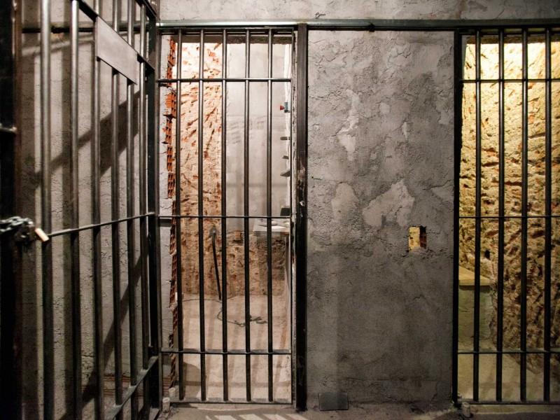 Prison Madness photo 1